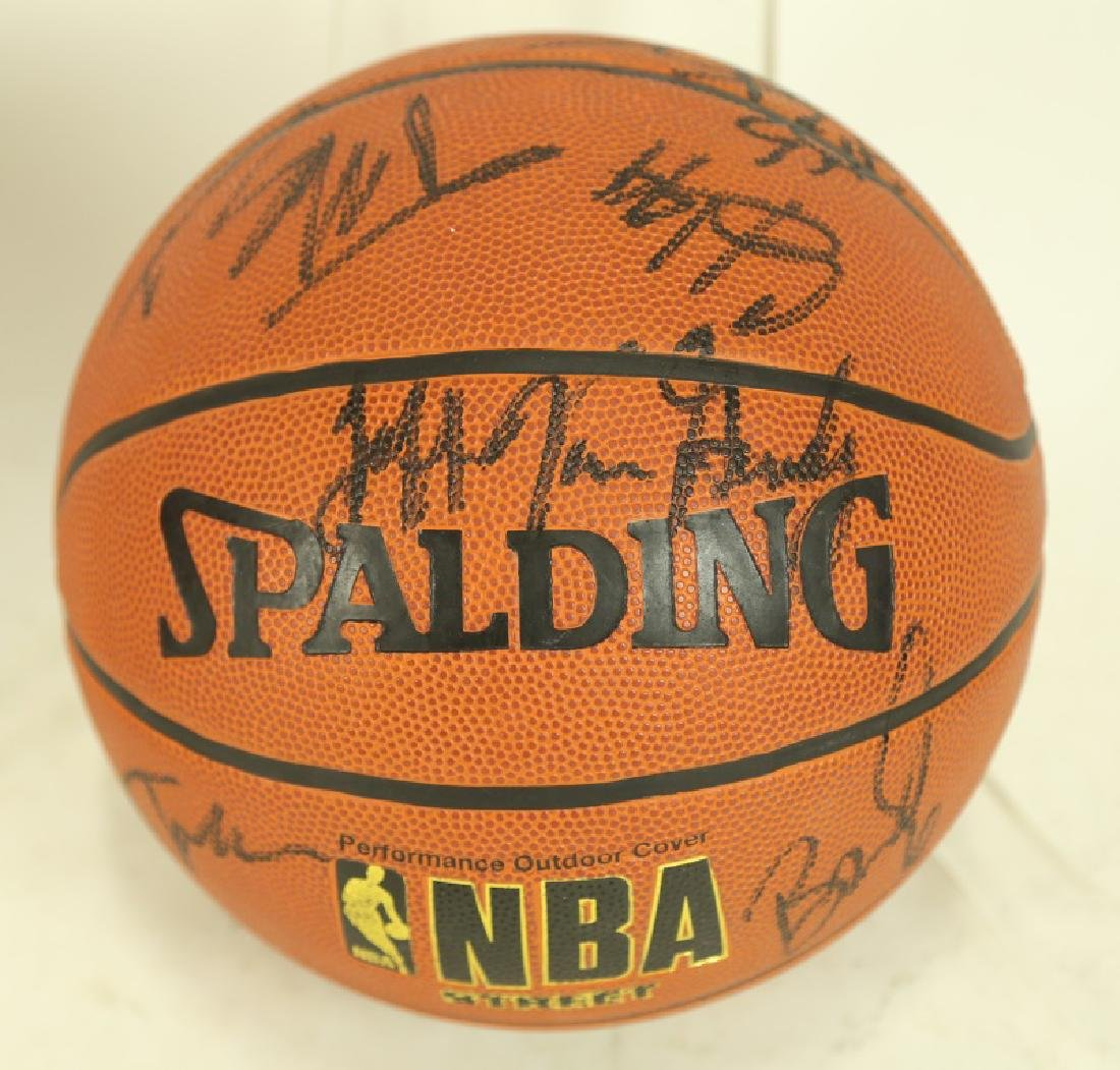 TEAM AUTOGRAPHED BASKETBALL