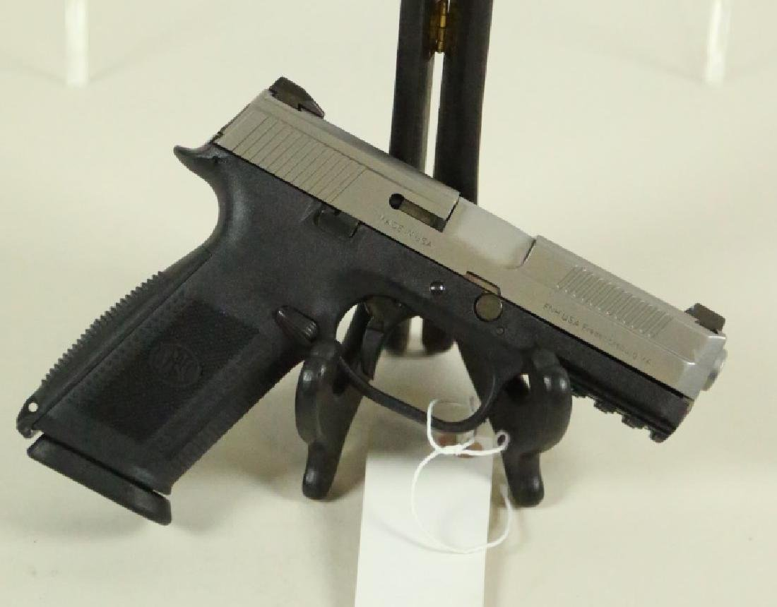 FN 66761 FNS40 PISTOL