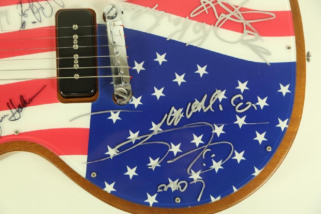 AUTOGRAPHED GIBSON ELECTRIC GUITAR - 3