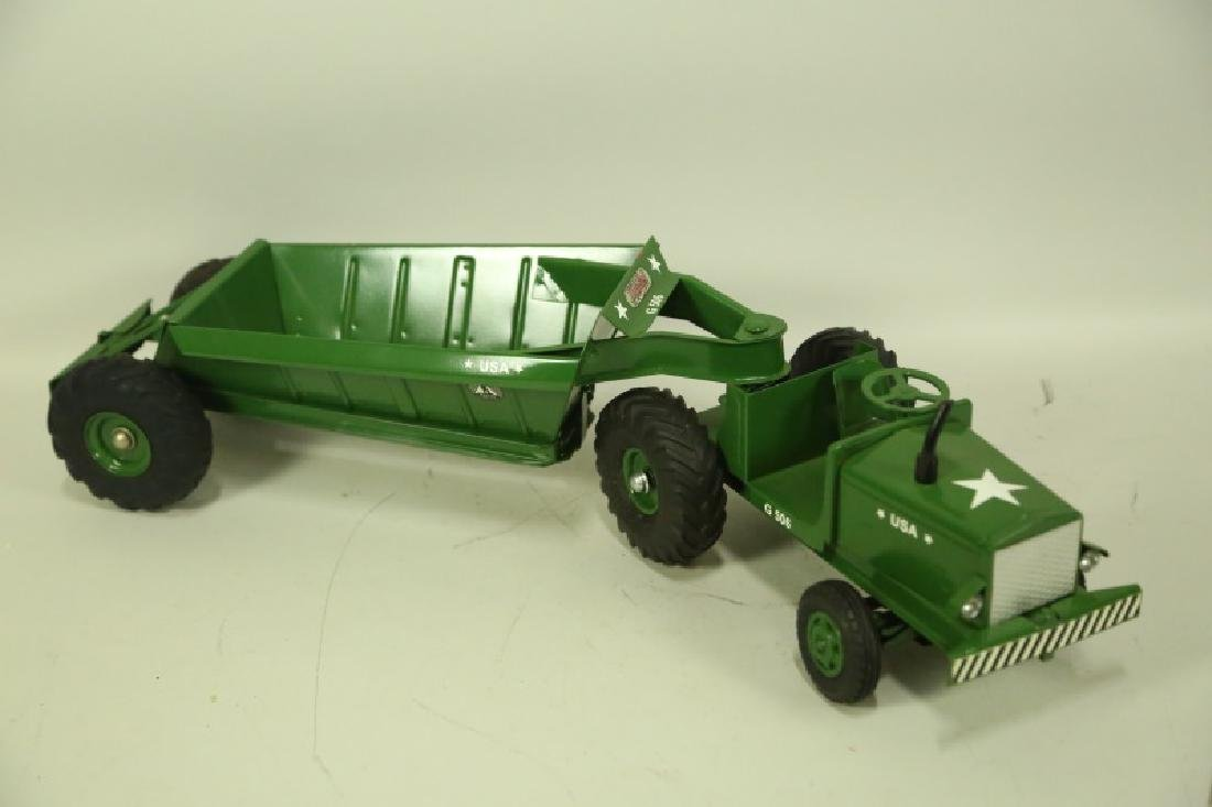 VINTAGE MODEL TOYS TRACTOR AND TRAILER - 2