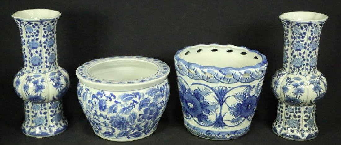 TWO SET OF BLUE & WHITE VASES AND POTS