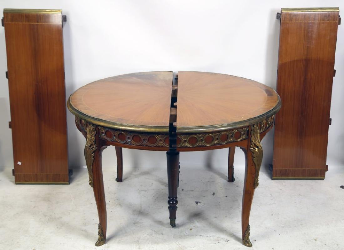 FRENCH STYLE ROUND DINING TABLE WITH GILT BRONZE