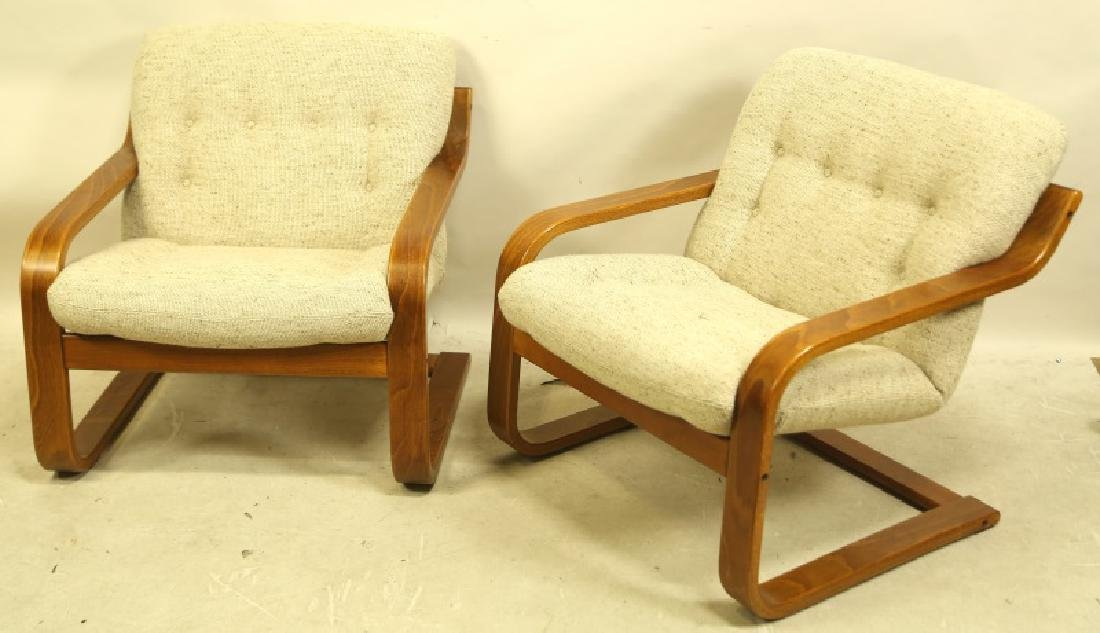 PAIR OF MID-CENTURY MODERN WESTNOFA LOUNGE CHAIRS