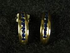 PAIR OF 22 CT SAPPHIRE 14KT YELLOW GOLD EARRINGS