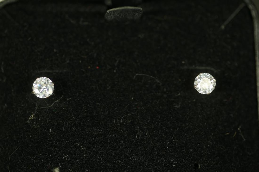 (75) 2.0 Ct. WHITE SAPPHIRE SOLITAIRE EARRINGS