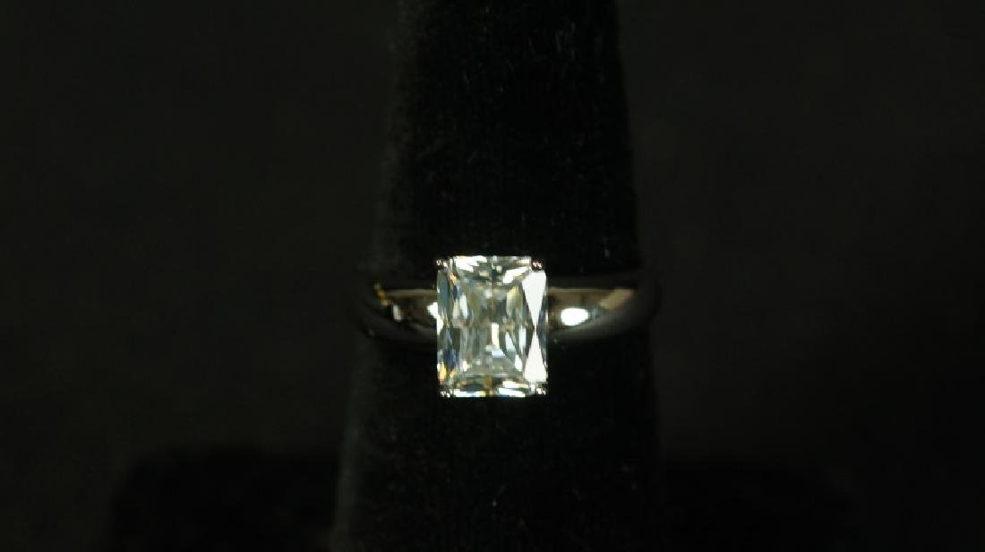 (94) 3.0 Ct. EMERALD CUT WHIT SAPPHIRE SOLITAIRE R