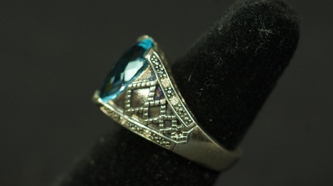 (108) 3.05 Ct. PEAR CUT BLUE TOPAZ ESTATE RING