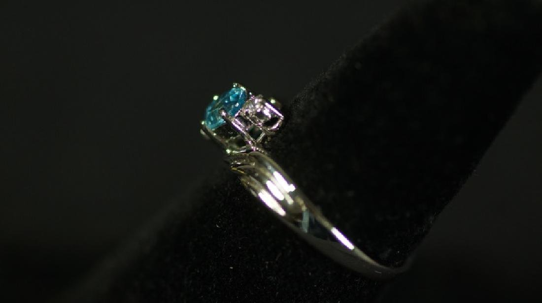 (137) BLUE TOPAZ ESTATE RING - 2