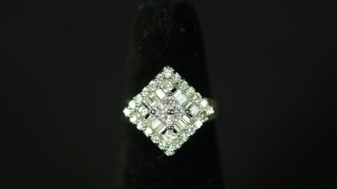 (161) WHITE SAPPHIRE ESTATE RING