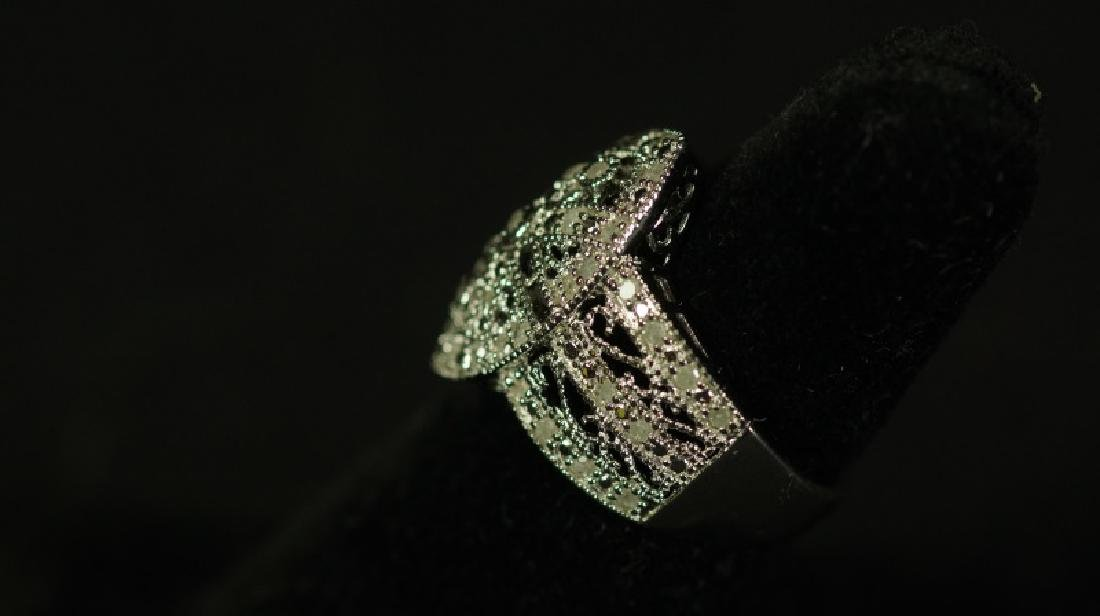 (176) LARGE DIAMOND ESTATE RING - 2