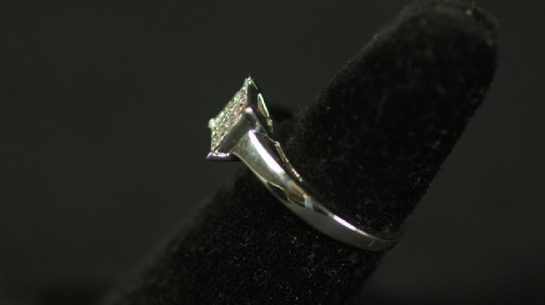 (30D) INVISIBLE SET PRINCESS CUT DIAMOND RING - 2