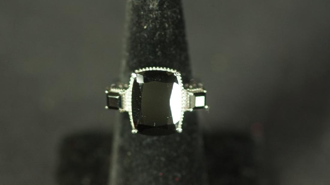 (60C) ONYX ESTATE RING