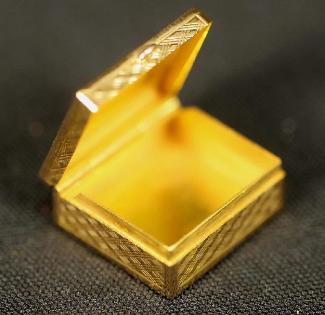 18KT GOLD BOX - 2