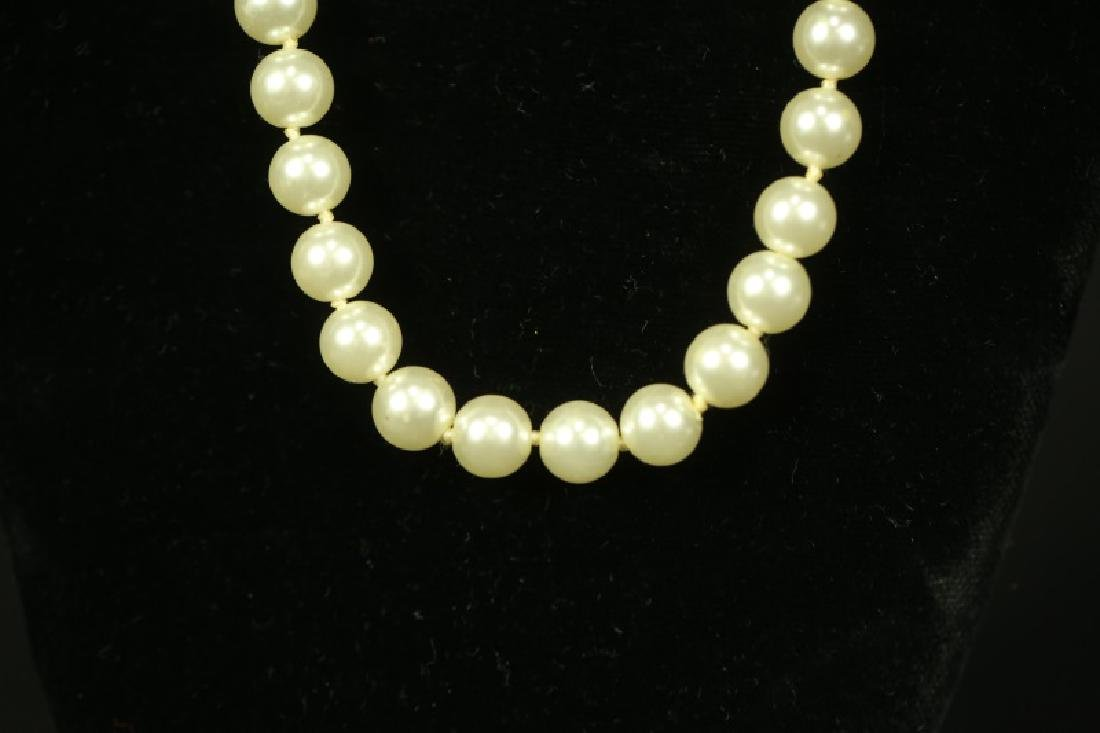 PEARL NECKLACE WITH STERLING SILVER CLASP - 2