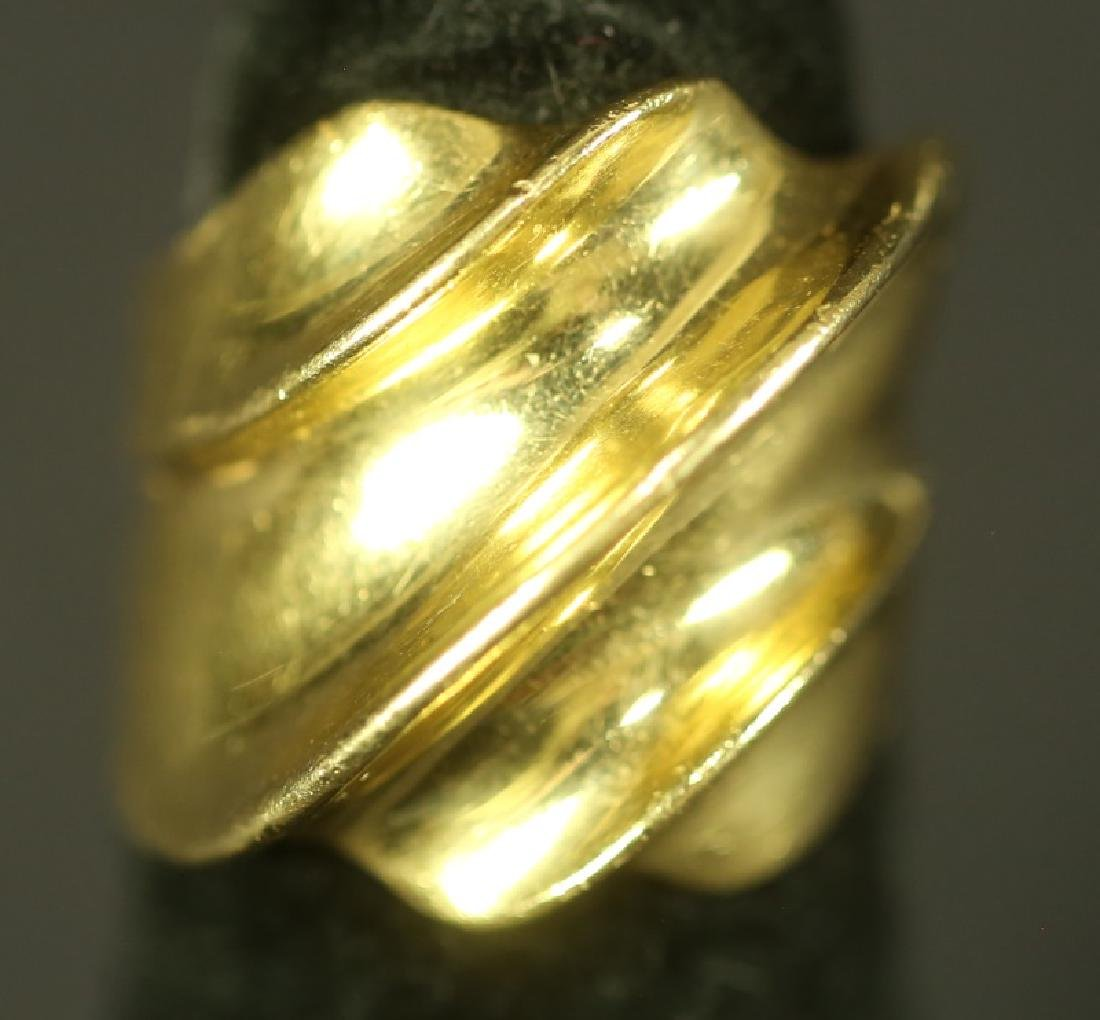 18 KT GOLD RING