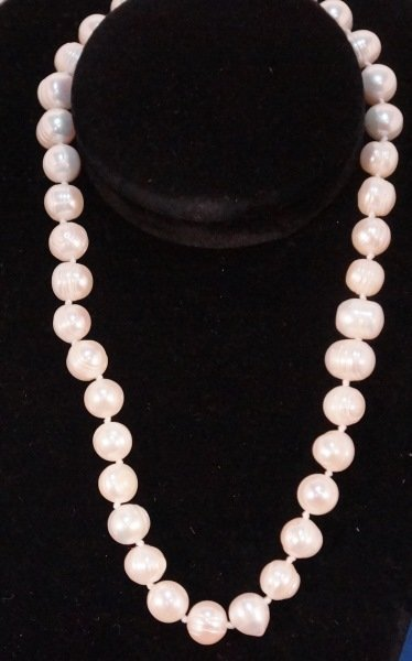 "SINGLE STRAND FRESHWATER PEARL NECKLACE.  17"" LENGTH"