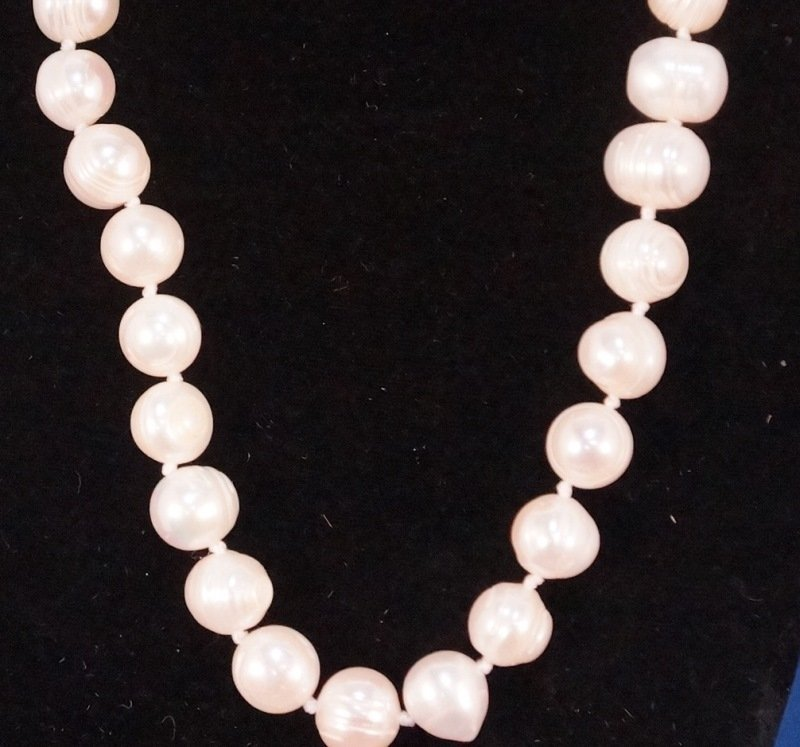 "SINGLE STRAND FRESHWATER PEARL NECKLACE.  17"" LENGTH - 2"