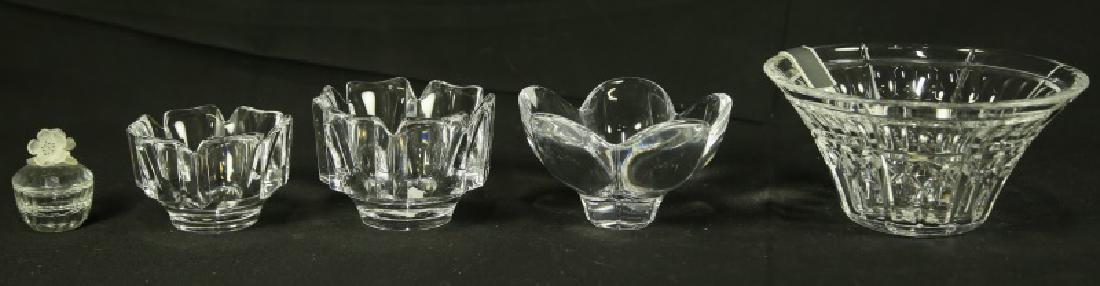 MIXED LOT OF FIVE GLASS BOWLS