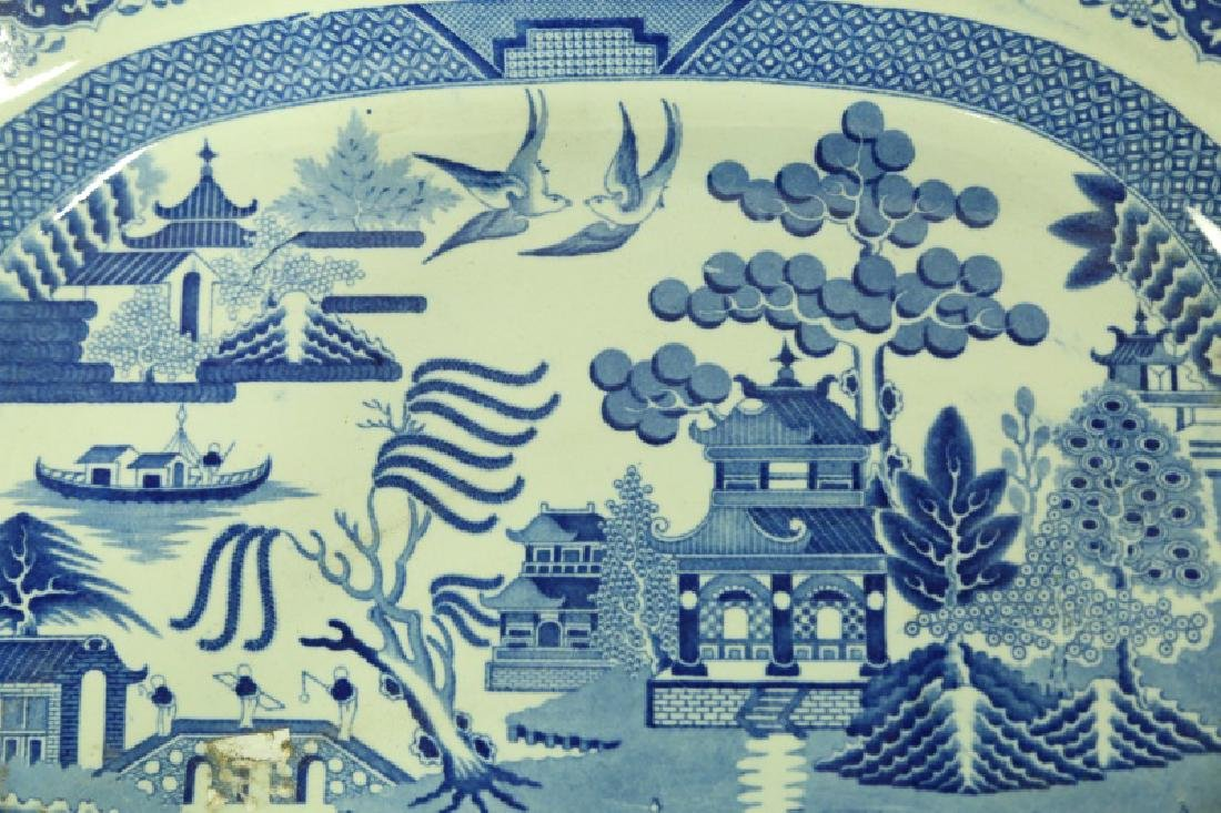 19th CENTURY ENGLISH BLUE WILLOW PLATTER - 2