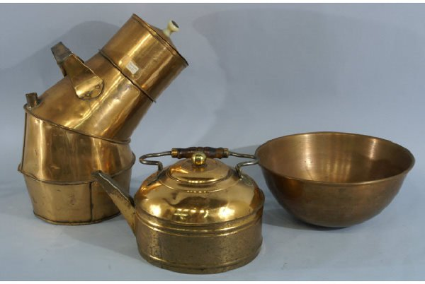 1006: Three pieces of copper, includes bowl and kettle.