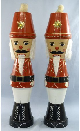 1009: Pair of nutcrackers made out of planters