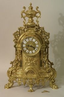 1221: Reproduction Victorian brass mantle clock and two