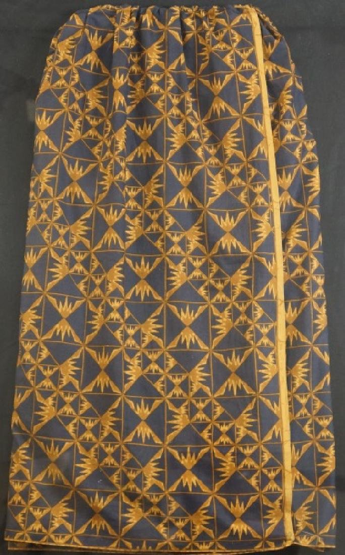 BATIK INDONESIAN MAN'S SKIRT IN LUCTIE BOX