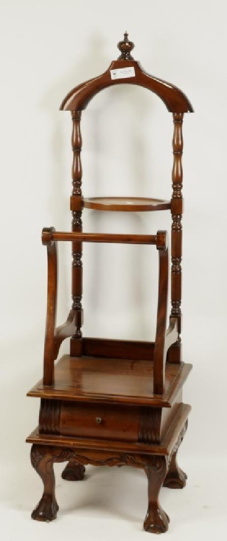 CHIPPENDALE STYLE VALET STAND