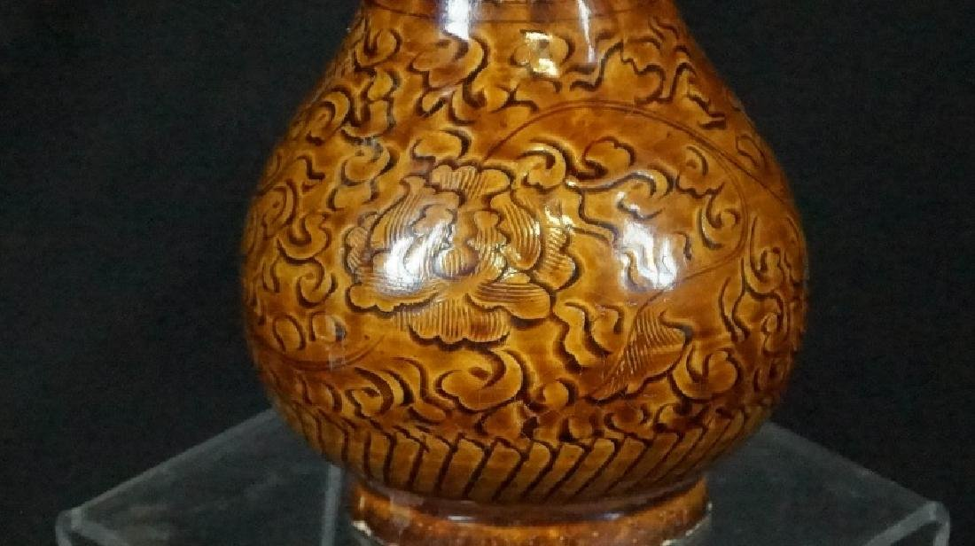 ANTIQUE CHINESE EARTHENWARE VASE - 2