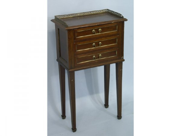 3-drawer side table