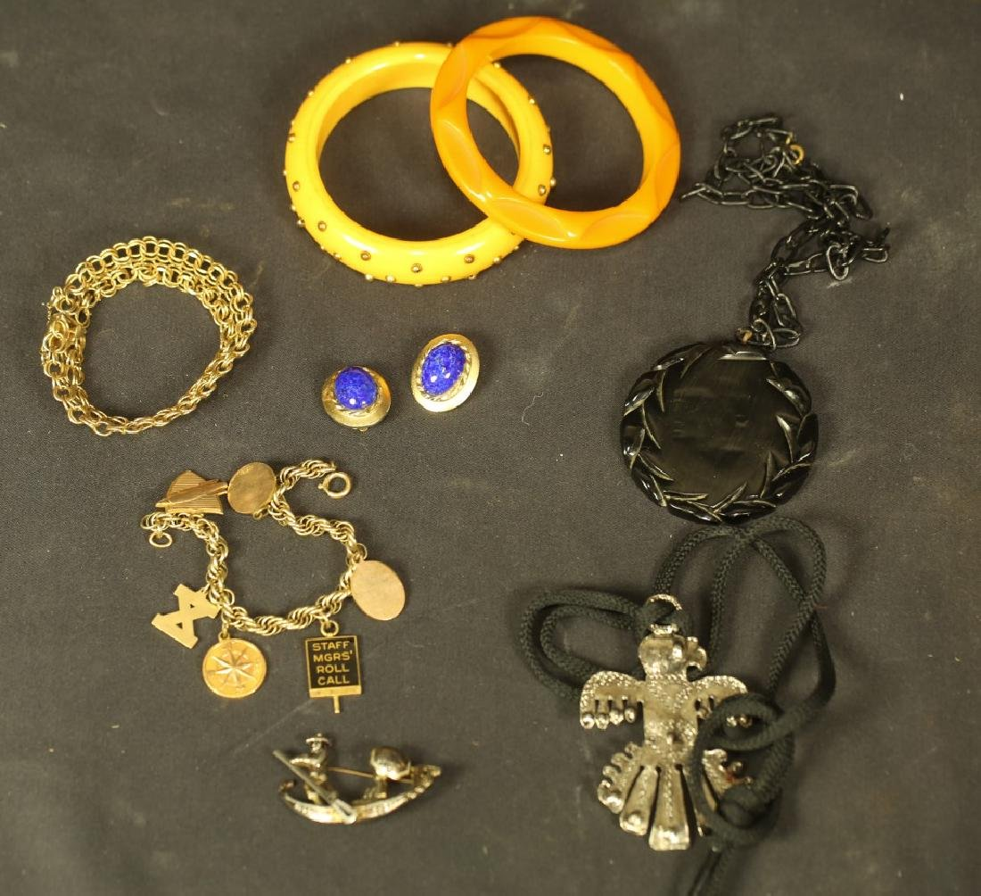 MIXED LOT OF SIX PIECES OF JEWELRY
