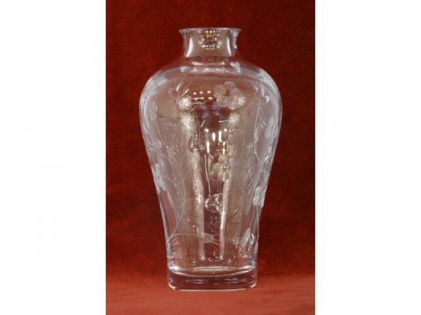 1001: Lennox crystal vase
