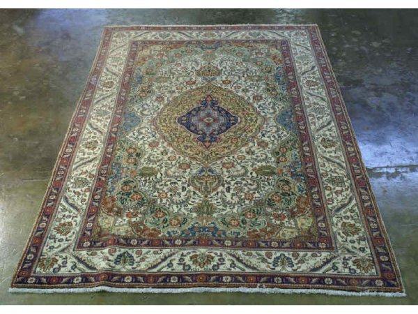 1013: Persian rug