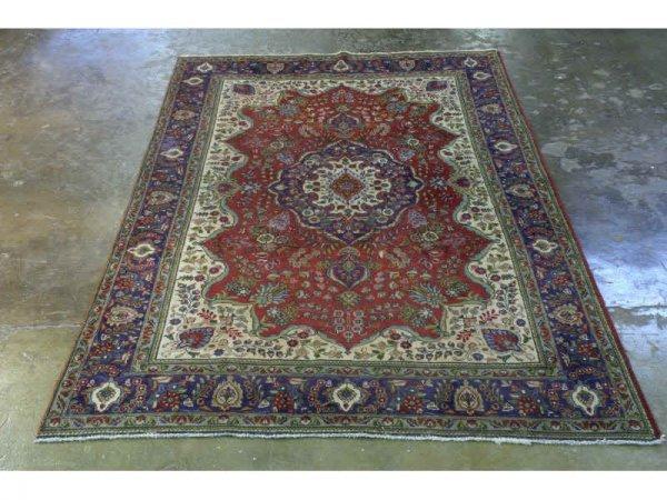 1019: Persian rug