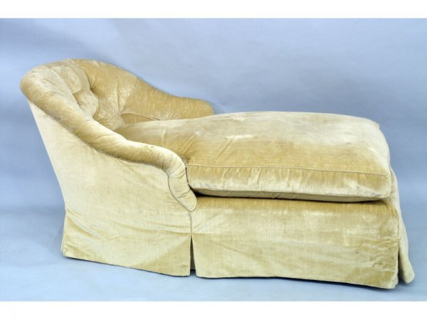 1020: Chaise lounge with silk velvet upholstery