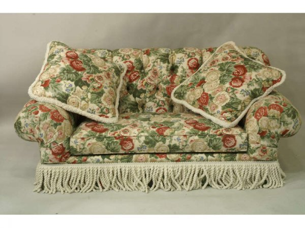 1022: Button tuft floral sofa with white fringe