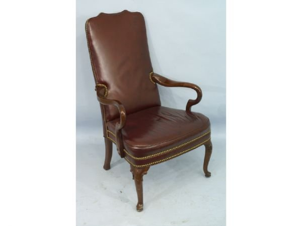 """1022A: Burgundy leather armchair. Size: 25"""" x 43"""" x 2"""