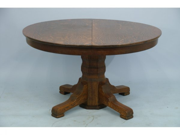 22: Antique American oak round dining table