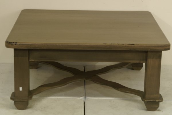 1014A: Painted coffee table with cross stretcher. Size: