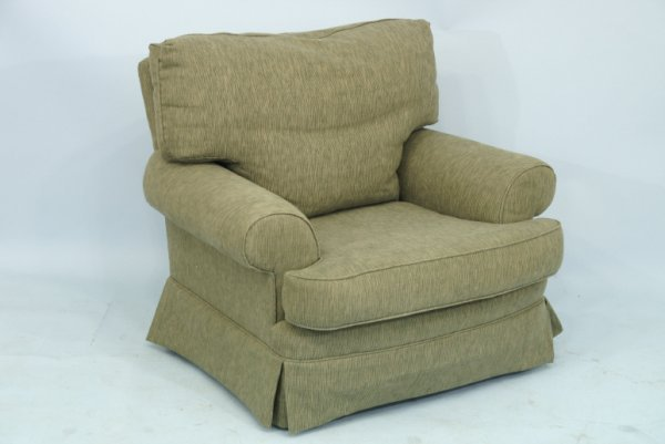 """1015: Green upholstered club chair.  Size: 39"""" x 32"""" x"""