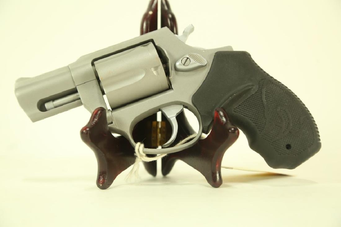 TAURUS MODEL 905 9MM REVOLVER (NEW) - Mar 23, 2019 | Lewis & Maese