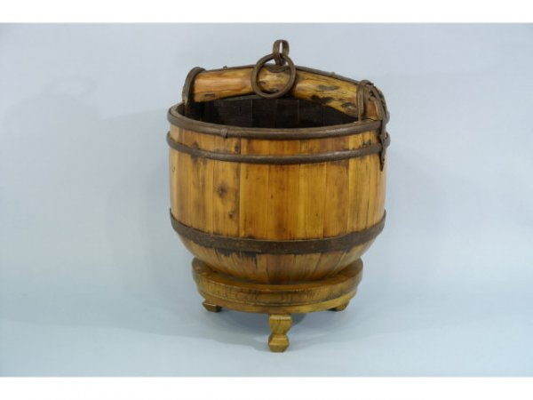 1013: Antique Chinese water bucket