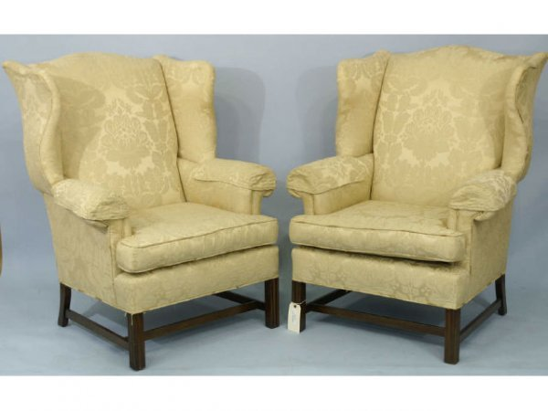 1008: A nice pair of Georgian style wing chairs with ge