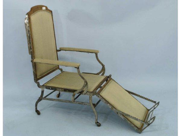 1014: Rare, 19th Century mechanical chair that reclines