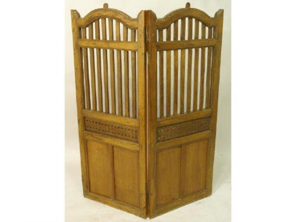 1023: Oak 2-panel modesty screen