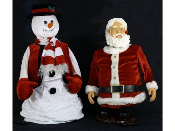 1001: Dancing and singing Santa Claus and Frosty the Sn