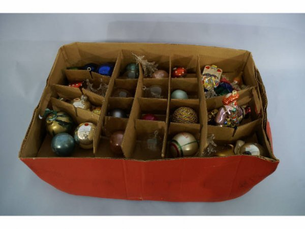 1002: Box of assorted Christmas ornaments.