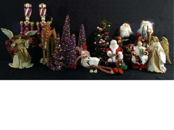 1007: Box lot of Christmas figurines