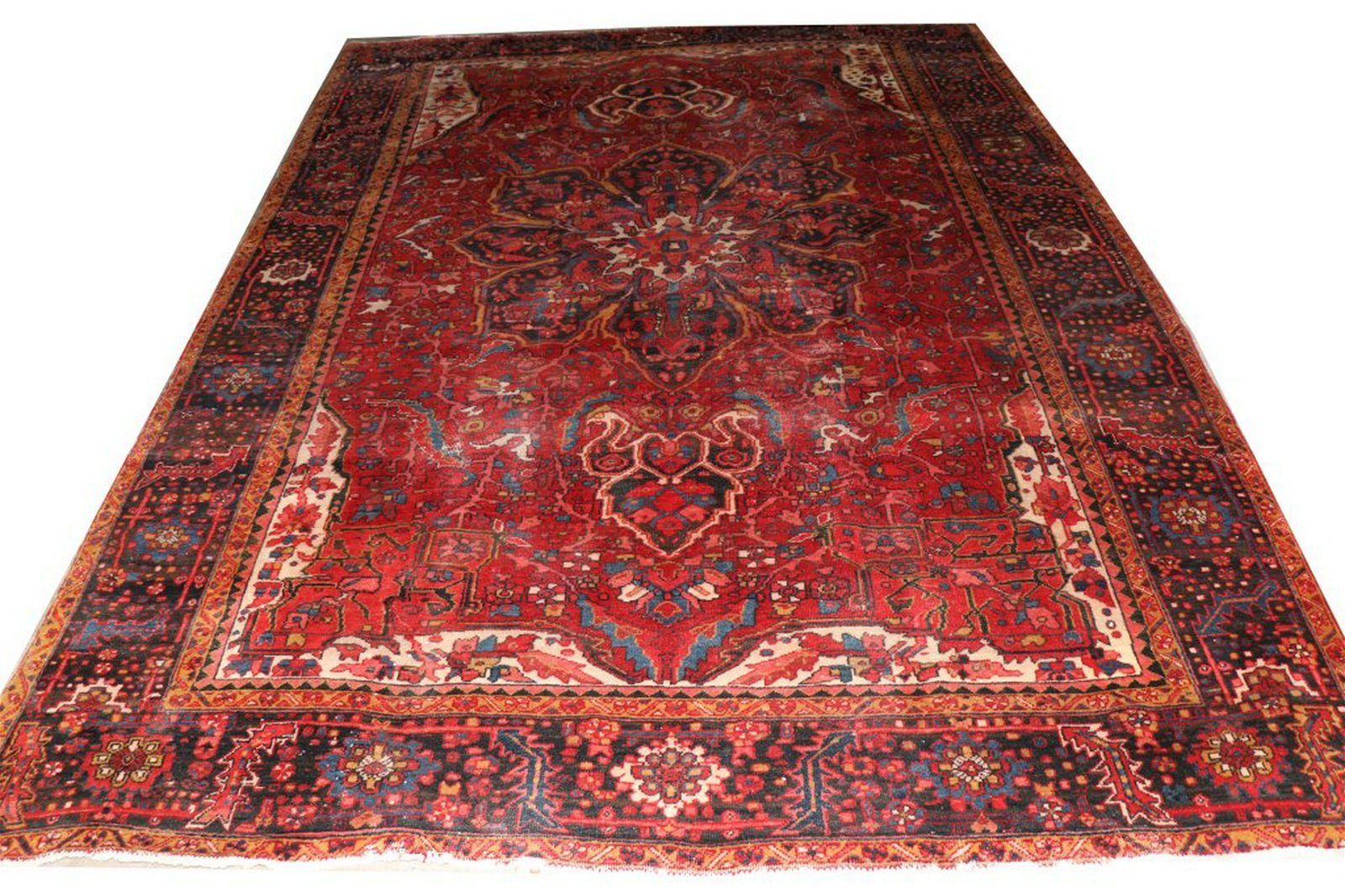 VINTAGE HAND KNOTTED PERSIAN HERIZ RUG
