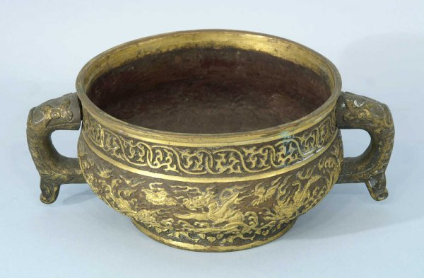 3: BRONZE COMPOTE WITH ORIENTAL DRAGON MOTIF